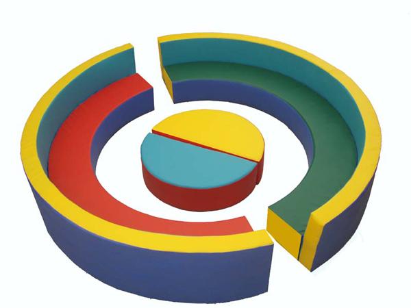 диван полукруглый - D200 см. столик - d75 см